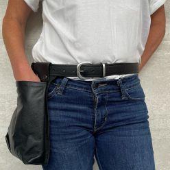 DP122B - Black leather belt
